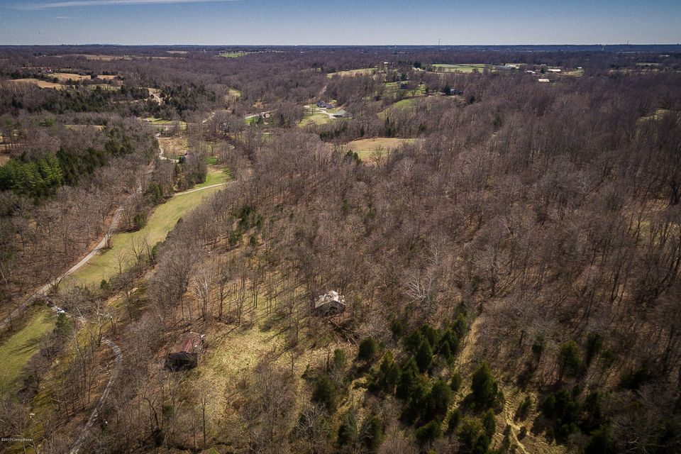 Additional photo for property listing at Halls Hill Halls Hill Crestwood, Kentucky 40014 United States