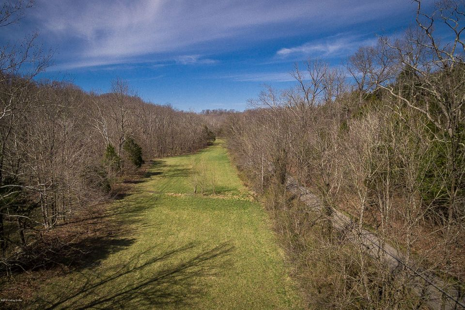 Additional photo for property listing at Halls Hill  Crestwood, Kentucky 40014 United States