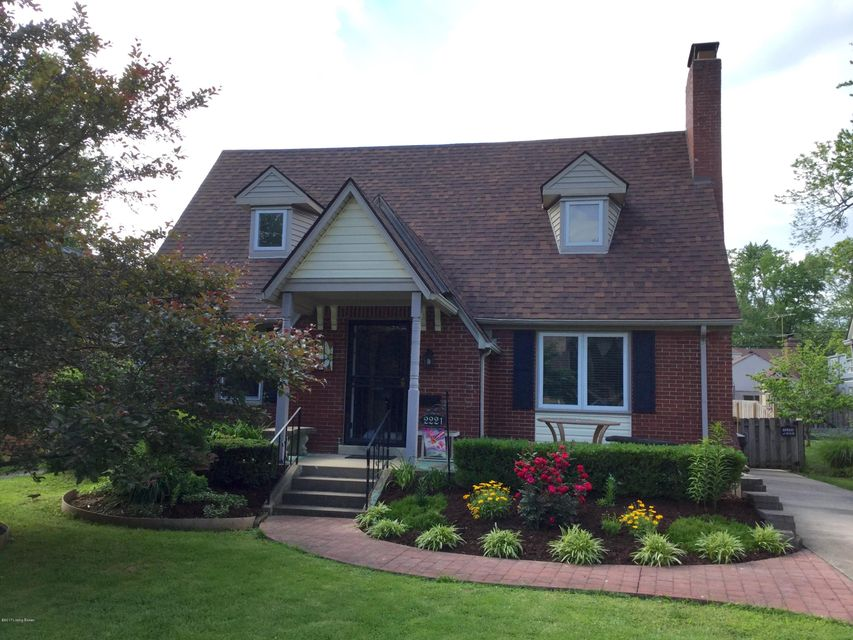 Single Family Home for Sale at 2221 Gladstone Avenue Louisville, Kentucky 40205 United States