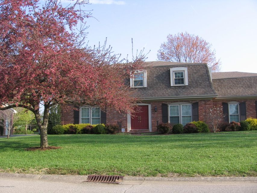 Single Family Home for Sale at 8907 Peterborough Drive Louisville, Kentucky 40222 United States