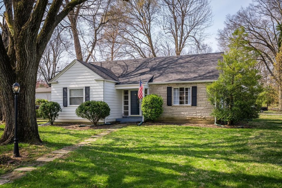 Single Family Home for Sale at 328 N Bonner Avenue Louisville, Kentucky 40207 United States