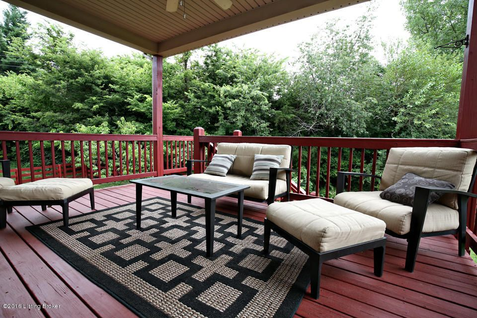 Additional photo for property listing at 344 Par Court  Simpsonville, Kentucky 40067 United States