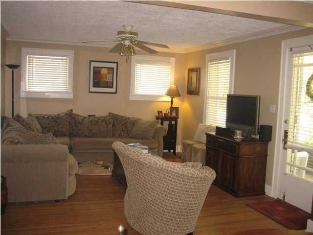 Additional photo for property listing at 3953 Gilman Avenue  Louisville, Kentucky 40207 United States