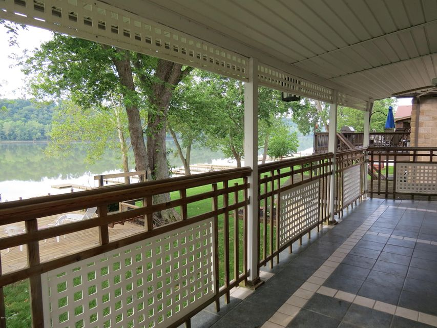 Additional photo for property listing at 160 E River Road  Charlestown, Indiana 47111 United States
