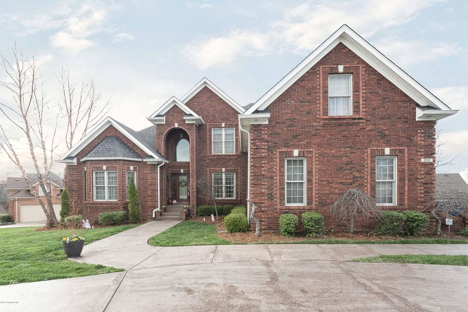 Single Family Home for Sale at 300 Shallowford Place Louisville, Kentucky 40245 United States