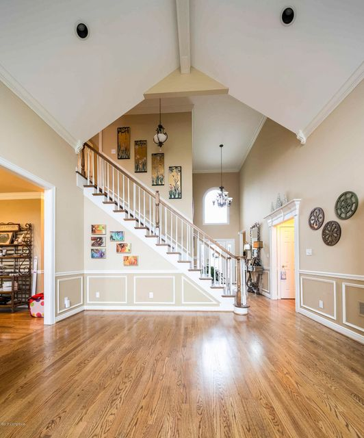 Additional photo for property listing at 300 Shallowford Place  Louisville, Kentucky 40245 United States
