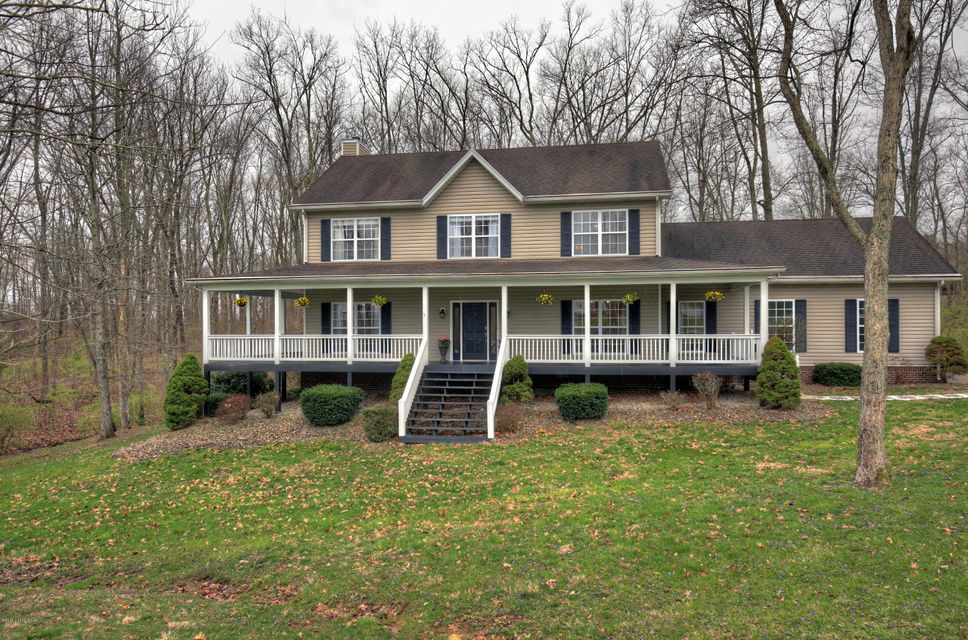 Single Family Home for Sale at 5312 Foxwood Drive Crestwood, Kentucky 40014 United States