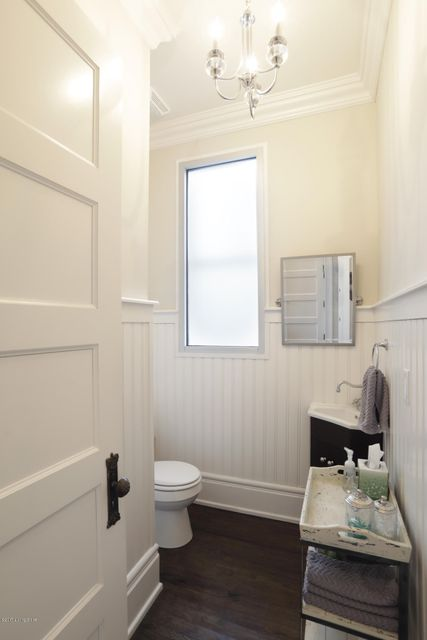 Additional photo for property listing at 1319 Cherokee Road  Louisville, Kentucky 40204 United States