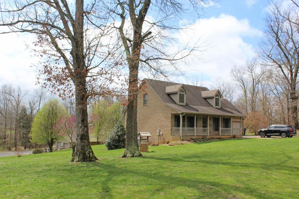 Single Family Home for Sale at 377 Spring Meadow Drive Radcliff, Kentucky 40160 United States