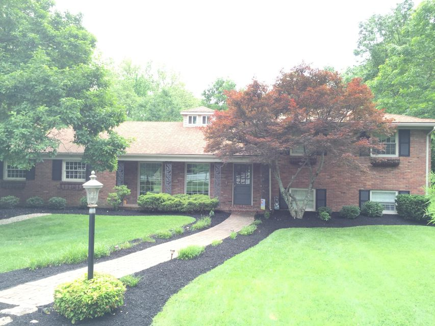 Single Family Home for Rent at 1300 Glenbrook Road Anchorage, Kentucky 40223 United States