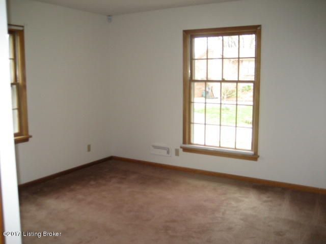 Additional photo for property listing at 3603 Whitehall Court  Louisville, Kentucky 40272 United States