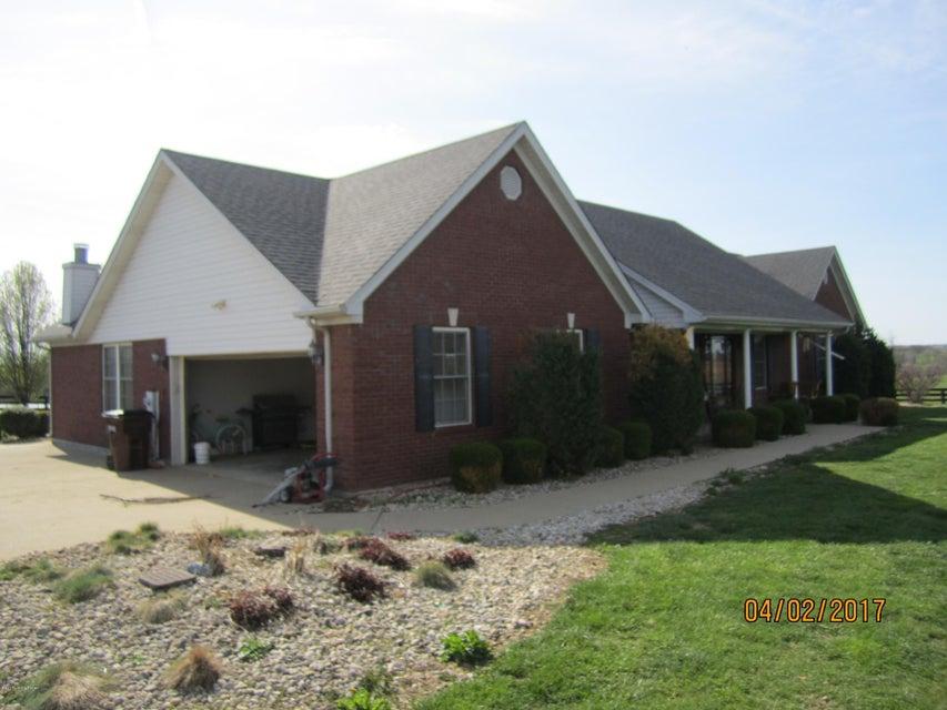 Farm / Ranch / Plantation for Sale at 725 Sweeney Lane Pleasureville, Kentucky 40057 United States