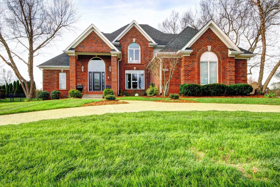 Single Family Home for Sale at 12913 Crestmoor Circle Prospect, Kentucky 40059 United States