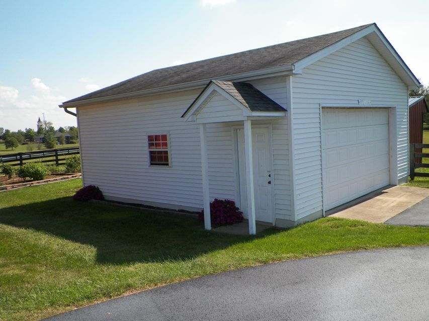Additional photo for property listing at 746 Veechdale Road  Simpsonville, Kentucky 40067 United States