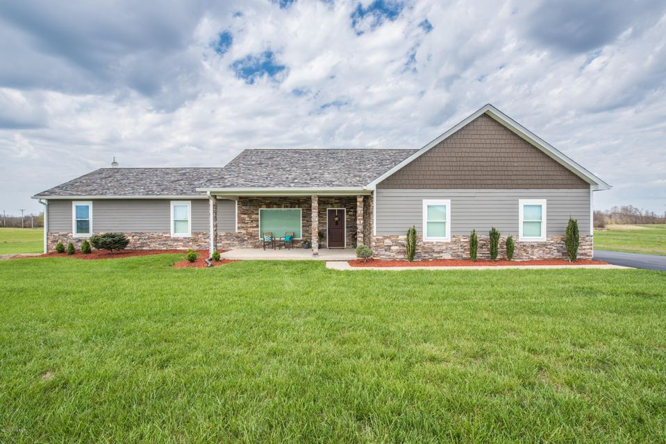 Single Family Home for Sale at 3007 Hawks Landing Charlestown, Indiana 47111 United States
