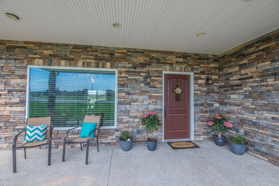 Additional photo for property listing at 3007 Hawks Landing  Charlestown, Indiana 47111 United States