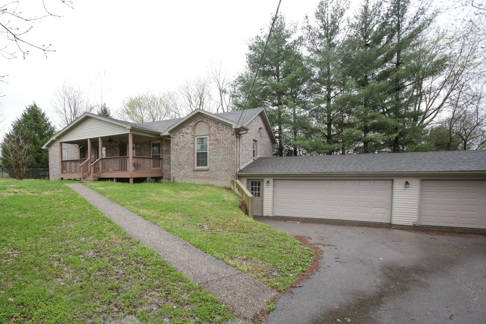 Single Family Home for Sale at 5801 Montfort Lane Crestwood, Kentucky 40014 United States
