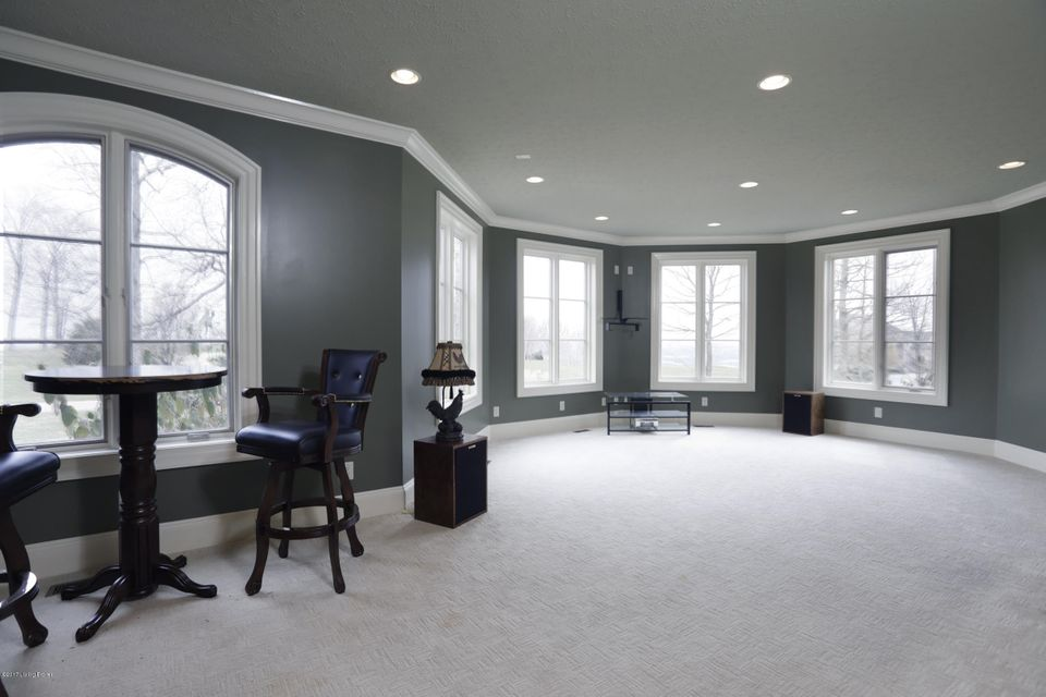 Additional photo for property listing at 1918 Plum Hill Way  Floyds Knobs, Indiana 47119 United States