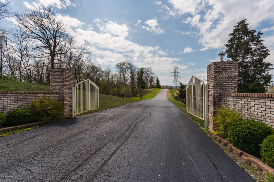 Single Family Home for Sale at 10001 Highway 60 Sellersburg, Indiana 47172 United States