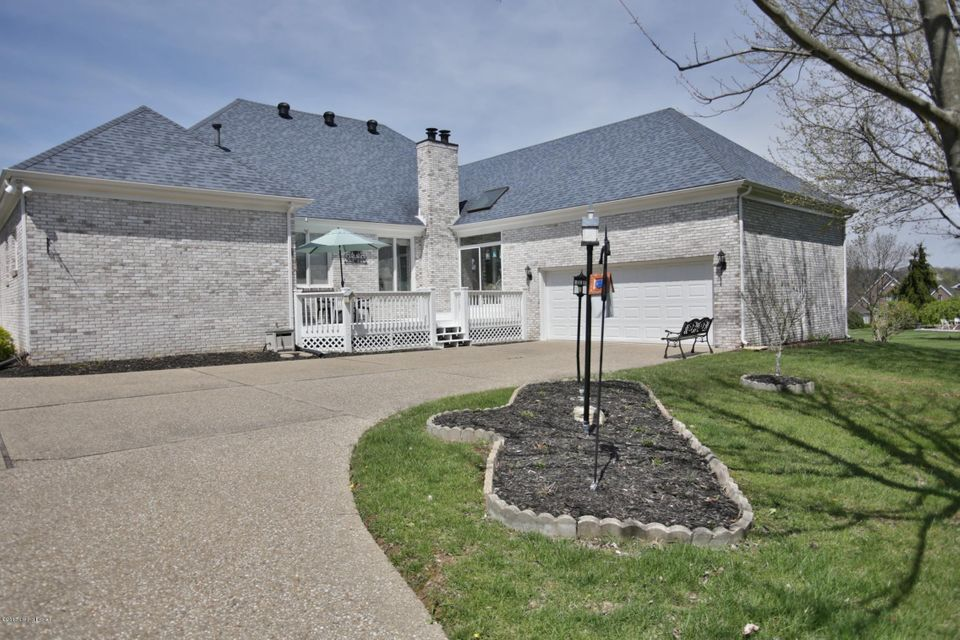 Additional photo for property listing at 14208 Woodland Ridge Drive  Louisville, Kentucky 40245 United States