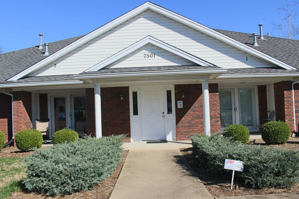 Additional photo for property listing at 7501 Judy Avenue  Louisville, Kentucky 40214 United States