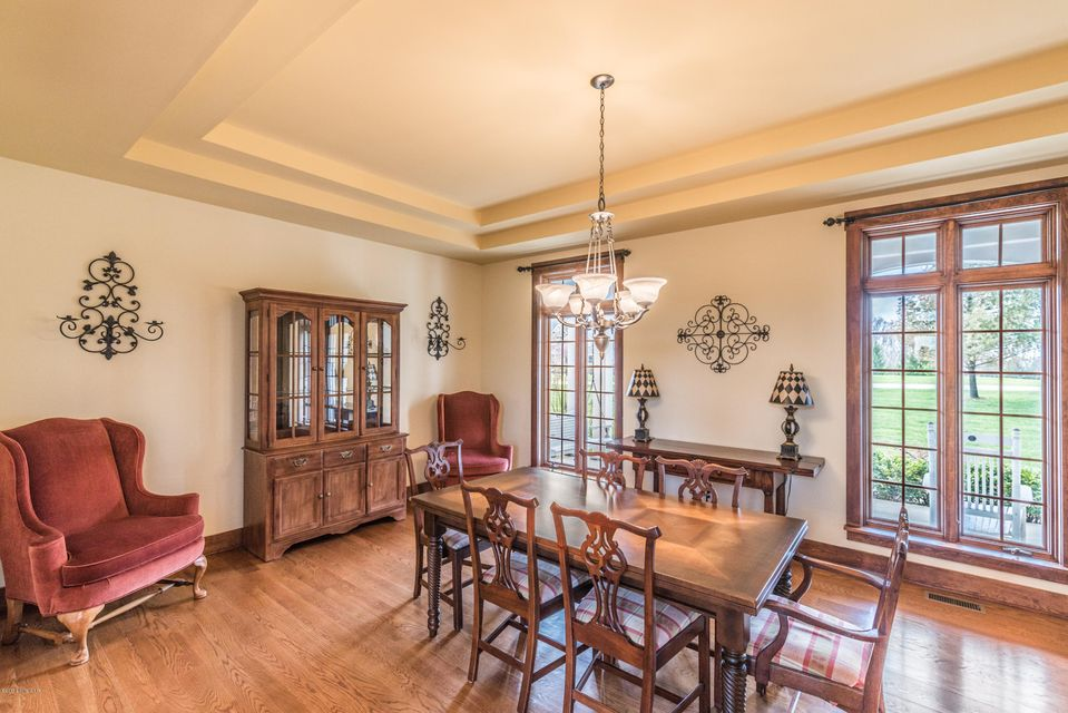 Additional photo for property listing at 18441 Bridgemore Lane 18441 Bridgemore Lane Louisville, Kentucky 40245 United States