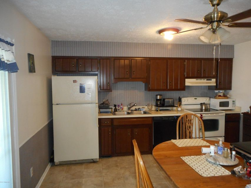 Additional photo for property listing at 1641 Highview Circle  Frankfort, Kentucky 40601 United States