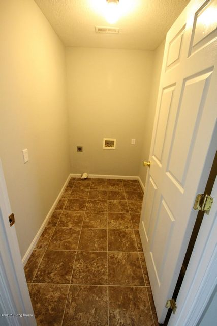 Additional photo for property listing at 476 Old Scout Drive  Leitchfield, Kentucky 42754 United States