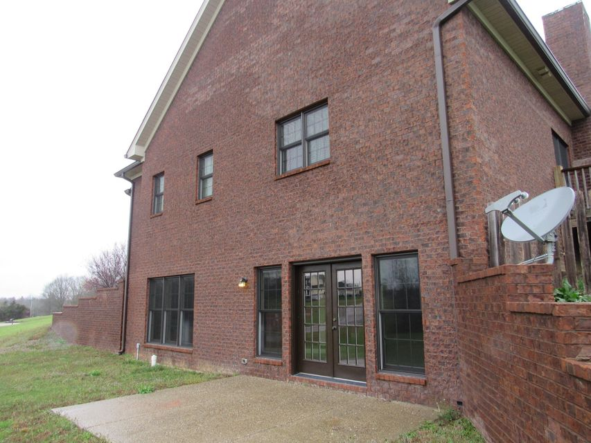 Additional photo for property listing at 9101 Hassy Way  Louisville, Kentucky 40299 United States