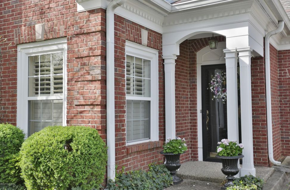 Additional photo for property listing at 5920 Ashwood Bluff Drive  Louisville, Kentucky 40207 United States