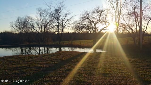 Additional photo for property listing at 2260 Whitesides Road  Coxs Creek, Kentucky 40013 United States