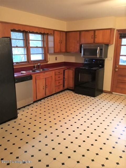 Additional photo for property listing at 354 Hillcrest Avenue  Louisville, Kentucky 40206 United States