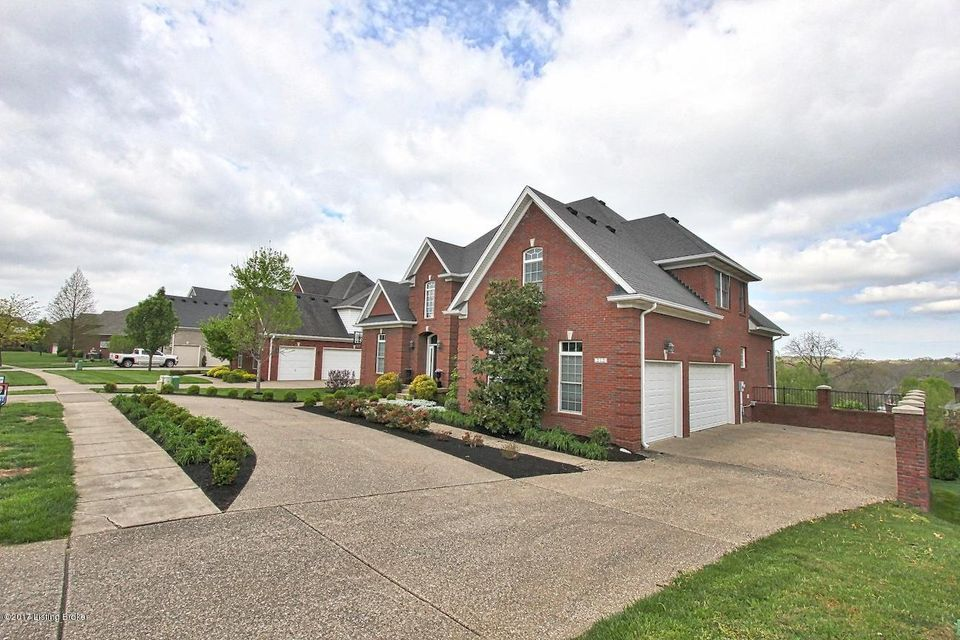 Additional photo for property listing at 212 Locust Creek Blvd  Louisville, Kentucky 40245 United States
