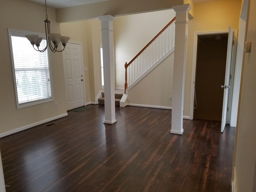 Additional photo for property listing at 11030 Symington Circle  Louisville, Kentucky 40241 United States