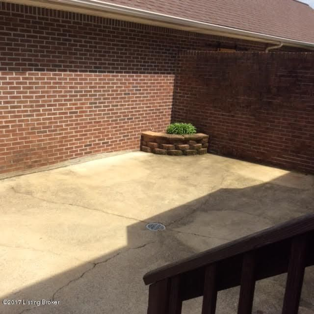 Additional photo for property listing at 3004 SPROWL Road  Louisville, Kentucky 40299 United States