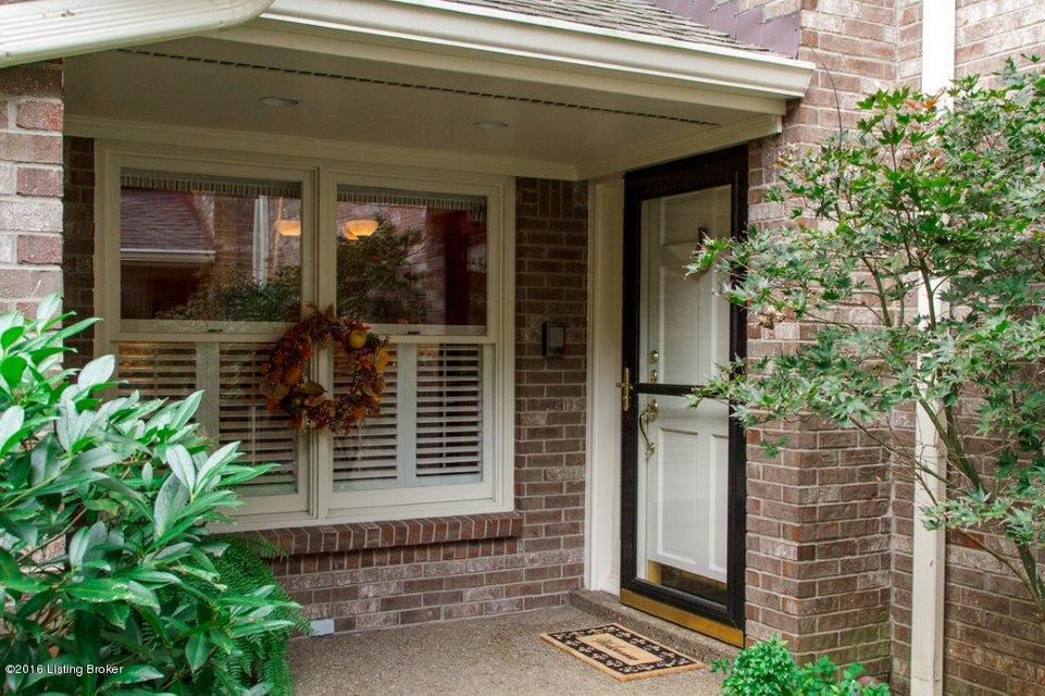 Additional photo for property listing at 1203 Navajo Court  Louisville, Kentucky 40207 United States