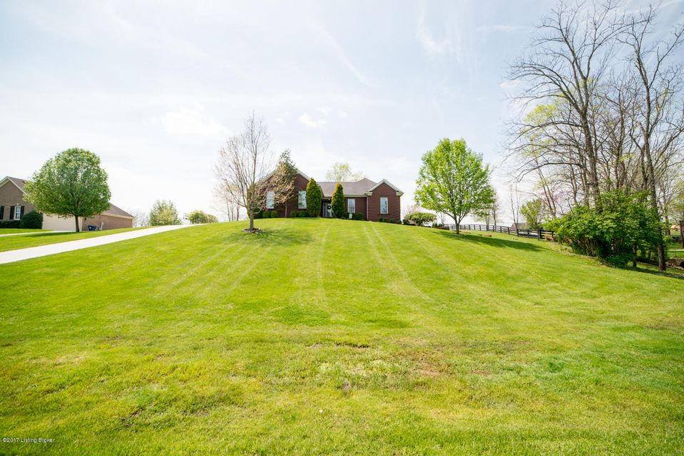 Single Family Home for Sale at 4020 Old Farm Drive Crestwood, Kentucky 40014 United States