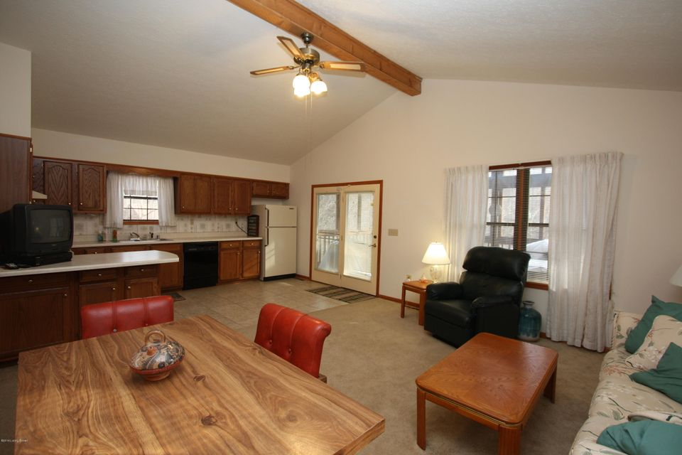 Additional photo for property listing at 504 Penn Run Road  Bee Spring, Kentucky 42207 United States