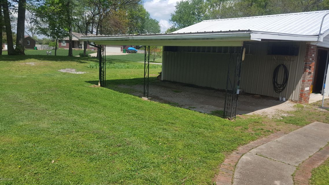 Additional photo for property listing at 5010 Garden Drive  Shepherdsville, Kentucky 40165 United States