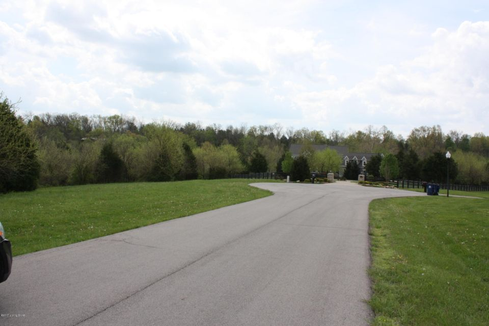 Additional photo for property listing at 1905 Whitewood Ridge 1905 Whitewood Ridge Louisville, Kentucky 40245 United States