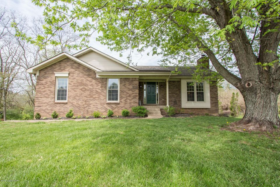 7602 Commonwealth Dr, Crestwood, KY 40014