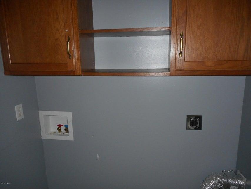 Additional photo for property listing at 142 Walnut Lane 142 Walnut Lane Taylorsville, Kentucky 40071 United States