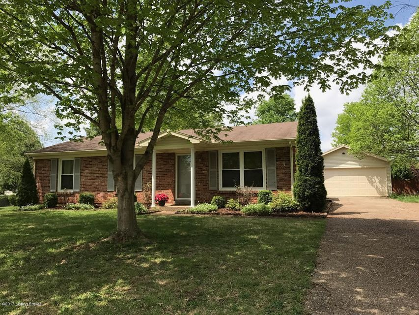 6529 Dunnlea Dr, Pewee Valley, KY 40056