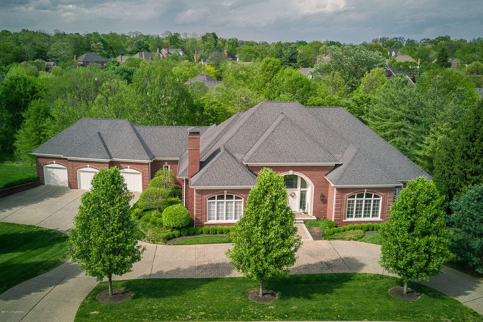 Additional photo for property listing at 210 Mockingbird Gardens Drive  Louisville, Kentucky 40207 United States