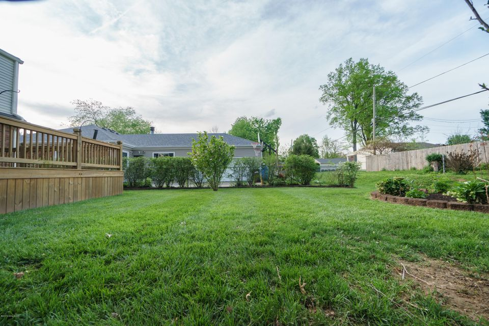 Additional photo for property listing at 1209 Holsworth Lane  Louisville, Kentucky 40222 United States