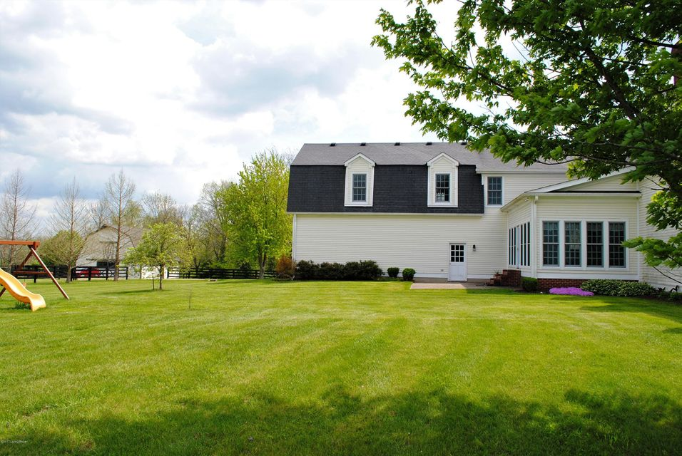 Additional photo for property listing at 65 Lizas Circle  Simpsonville, Kentucky 40067 United States