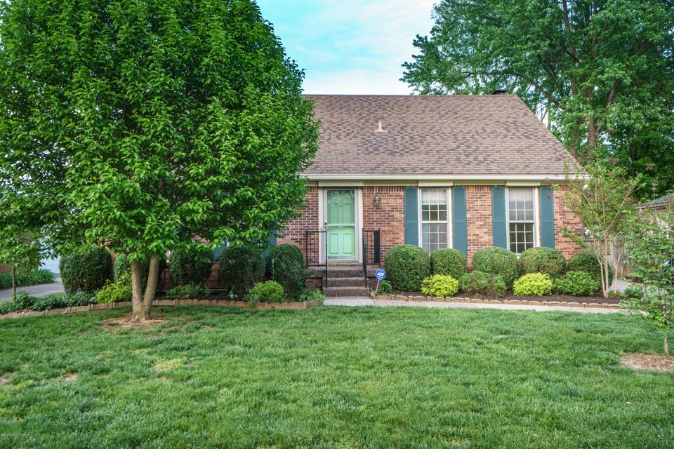 Single Family Home for Sale at 1209 Holsworth Lane Louisville, Kentucky 40222 United States