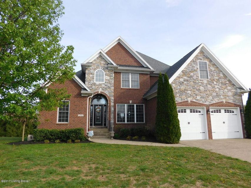 Single Family Home for Sale at 1104 Crossings Cove Court Louisville, Kentucky 40245 United States