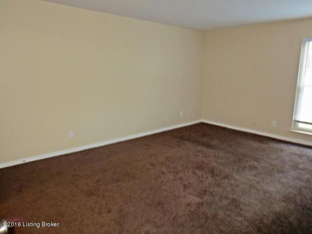 Additional photo for property listing at 404 Lafontenay Court  Louisville, Kentucky 40223 United States