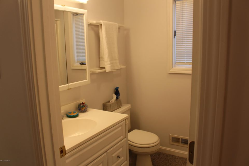 Additional photo for property listing at 1223 Out Post Road  Leitchfield, Kentucky 42754 United States